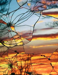 sunset-art-glass-mirror-cracked